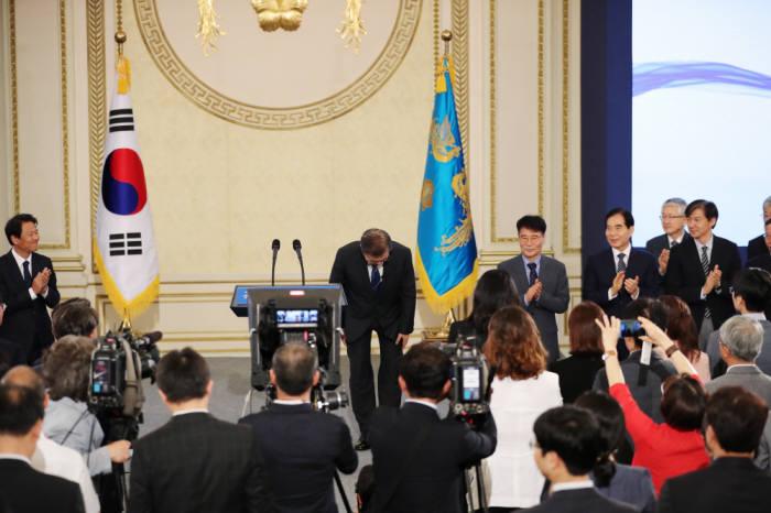 文 대통령, 오전 10시 신년 기자회견…백악관식 방식으로 직접 지명