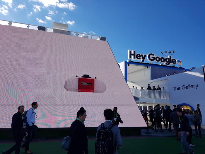 [CES 2018]구글 첫 부스 '관심은 높았지만, 전시는 기대 이하'