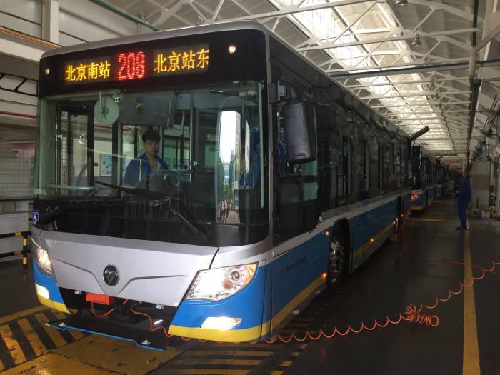 중국 베이징모터스그룹 상용차 계열사인 포톤의 전기버스 생산공장(북경).