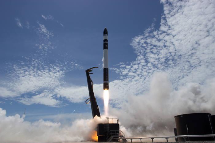 미국 우주항공업체 '로켓랩'은 21일(현지시간) 뉴질랜드에 구축한 발사장에서 로켓 '일렉트론'을 발사했다. (사진=로켓랩)
