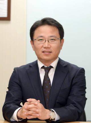 [데스크라인]중소벤처기업부의 '성장통, 그리고 권위'