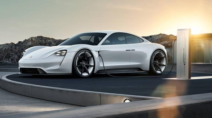 포르쉐가 선보이는 배터리 순수 전기차 '미션E'(사진제공 : 포르쉐)
