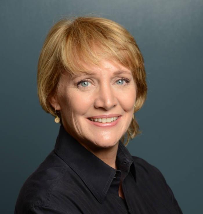 신디아 호건(Cynthia Hogan) 애플 공공정책 담당 부사장.