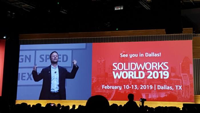 7일(현지시간) 미국 로스앤젤레스(LA)에서 열린 '솔리드웍스월드 2018' 행사에서 장 파올로 바씨 솔리드웍스 최고경영자(CEO)가 내년 행사를 소개하고 있다.