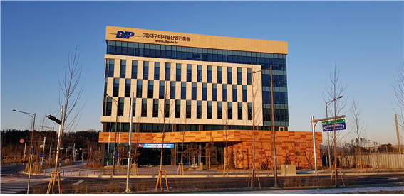 군월드가 본사를 이전한 SW융합기술지원센터 건물.