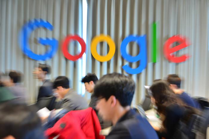 구글의 '파괴적 무임승차'···韓 모바일 동영상 70% 장악