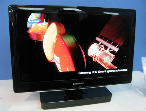 삼성전자가 2010년 잉크젯 프린팅 방식으로 선보인 19인치 TV 시제품.