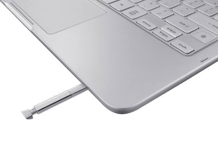일반적인 노트북에 S펜을 더해 태블릿 활용도를 높인 형태다.