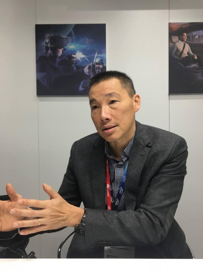 알렉산더 꿔쉬 인텔 5G 전략 담당 부사장.