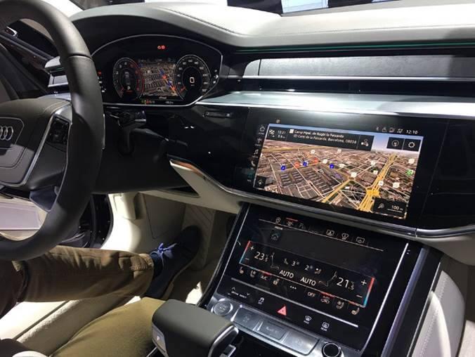 엔비디아 프로세서 기술을 탑재해 레벨3 수준의 자율주행 기능을 제공하는 신형 아우디 'A8'의 운전석 (사진=엔비디아)