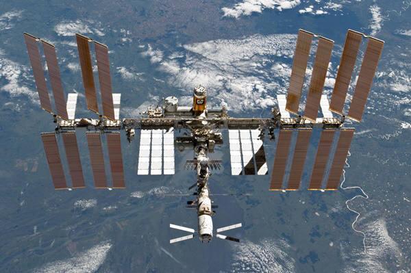 중국 '톈궁1호'가 수명을 다하면서 우주전거장에 대한 관심이 높습니다. 사진은 NASA의 국제우주정거장.