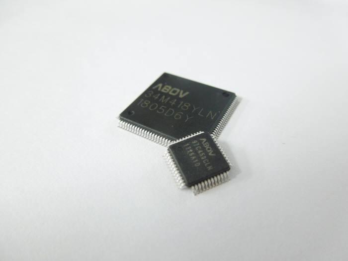 어보브반도체 MCU 칩.