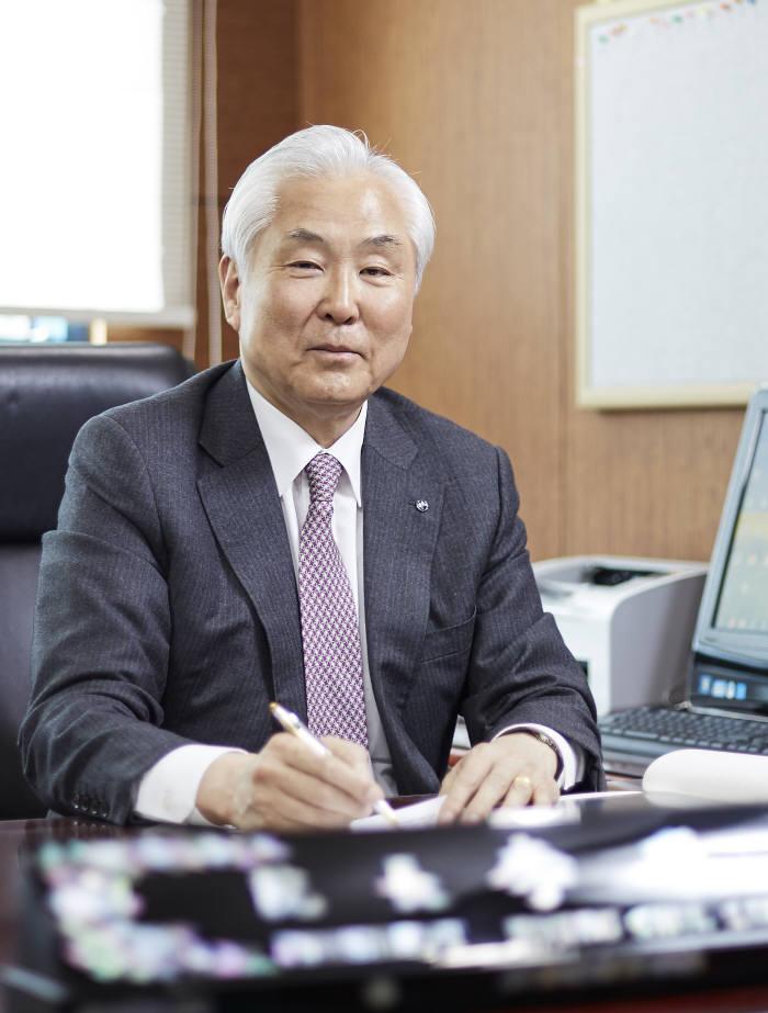 이명철 한국과학기술한림원 원장