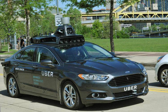 우버가 시험 운영 중인 자율주행차.
