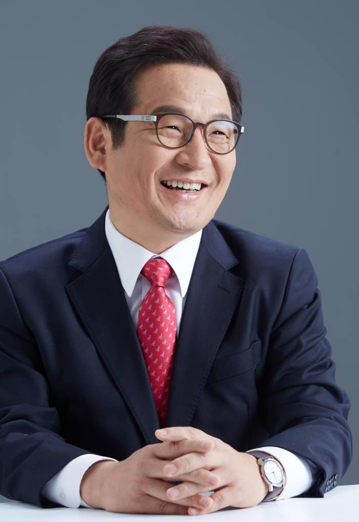 문용식 한국정보화진흥원 신임원장