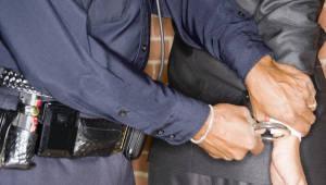 [국제]美 스타벅스, 주문 없이 앉은 흑인 경찰 신고...인종차별 비난 확산