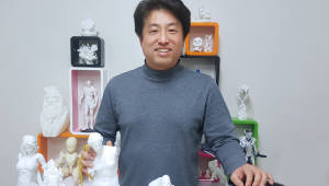 """[人사이트]김형권 스텔라무브 대표 """"독자 기술로 만든 대형 3D프린터 판로 확대"""""""