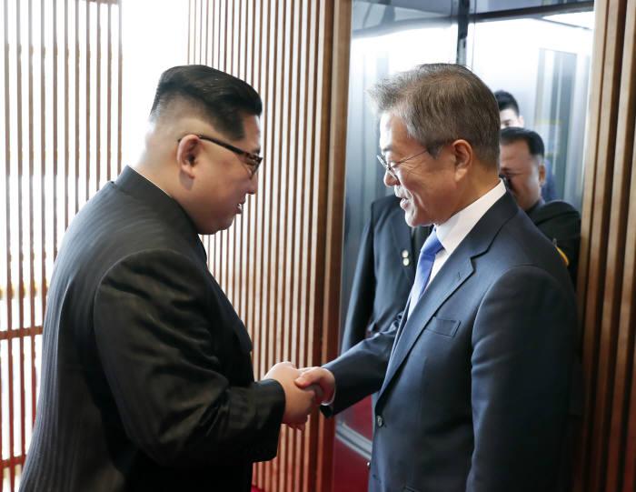 <한국공동사진기자단>