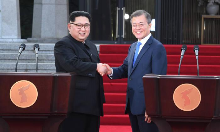 """[2018 남북정상회담]""""남북경협, 지속 가능한 체제 갖춰야"""""""
