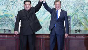"""트럼프 """"연내 남북 종전 지지""""…아베 """"비핵화 명기 높이 평가"""""""