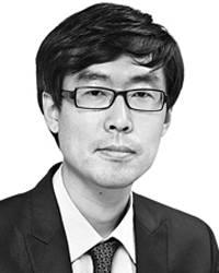 [데스크라인]문재인 대통령의 두 번째 5월