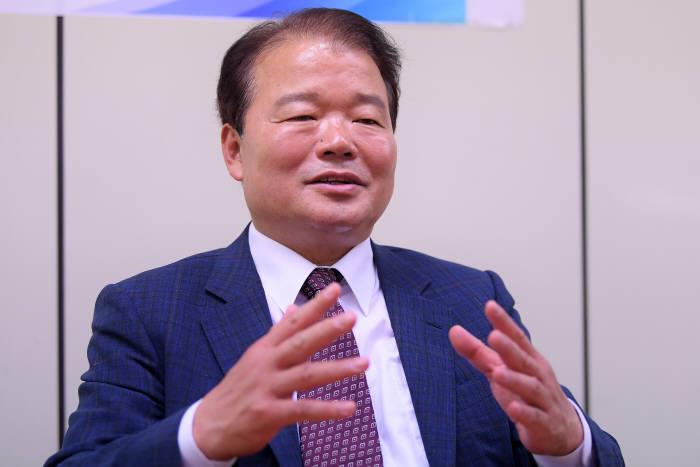 [이현덕이 만난 생각의 리더]<135> 신한용 개성공단기업협회장
