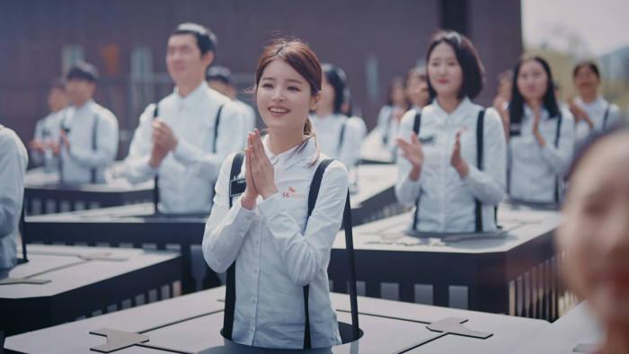 최혜진 씨가 주연을 맡은 SK하이닉스 광고가 SNS에서 큰 인기를 얻고 있다.