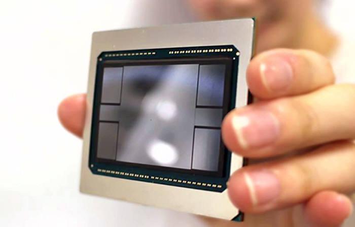 실리콘 인터포저 위로 HBM2 메모리 4개를 얹은 삼성전자의 2.5D 패키지 '아이큐브'.