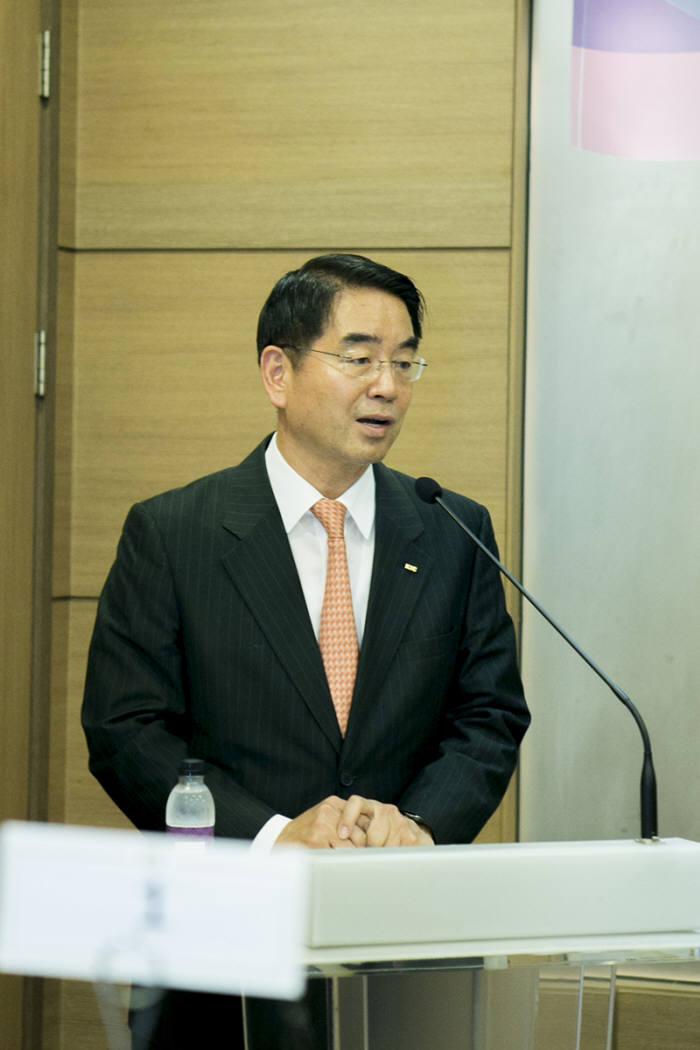 최희남 KIC 사장이 17일 서울 중구 한 음식점에서 기자간담회를 하고 있다.