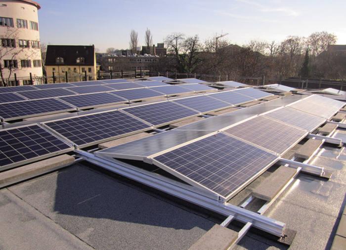 한화큐셀이 독일 프랑크푸르트 도심에 설치한 태양광발전설비. [자료:한화큐셀]