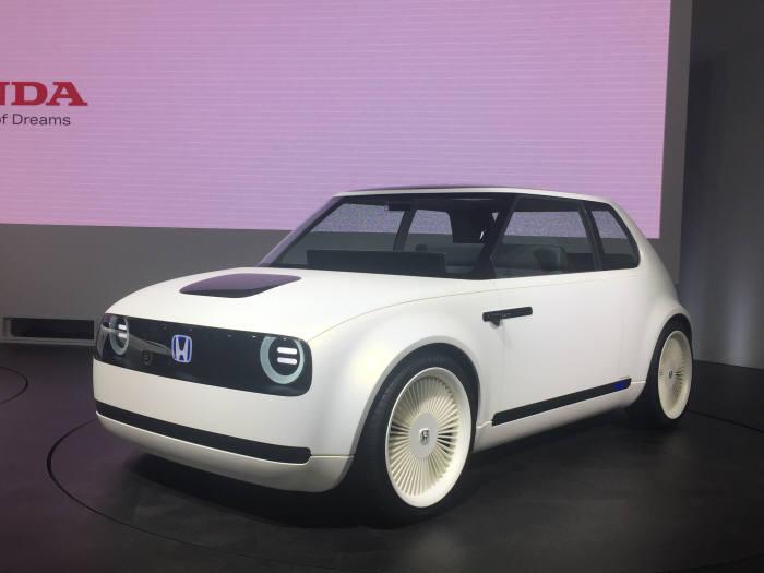 일본 혼다가 2020년 이후에 출시 예정인 미래형 전기차.