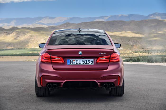 BMW 6세대 뉴 M5.