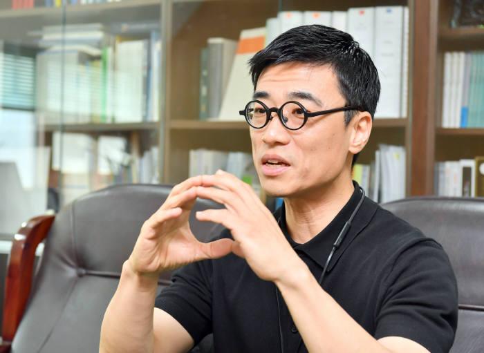 [이현덕이 만난 생각의 리더]<140>몰카근절 전도사 '이종혁 광운대 교수'