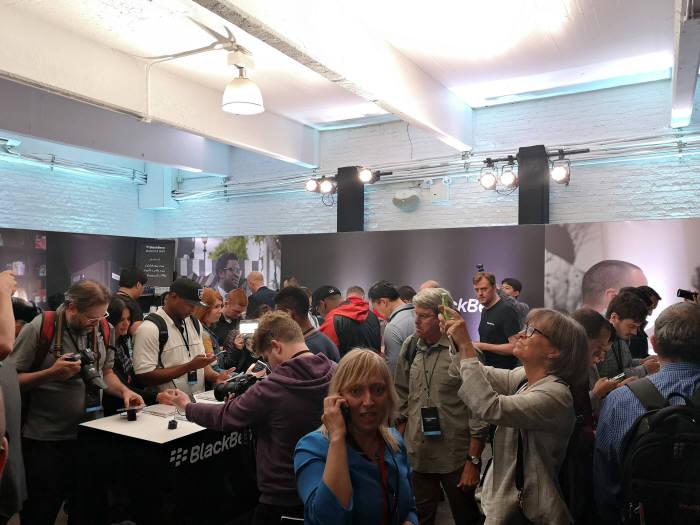 7일(현지시간) 미국 뉴욕에서 열린 블랙베리 키2 공개 행사에는 100여명의 미디어가 참석, 높은 관심을 보였다.