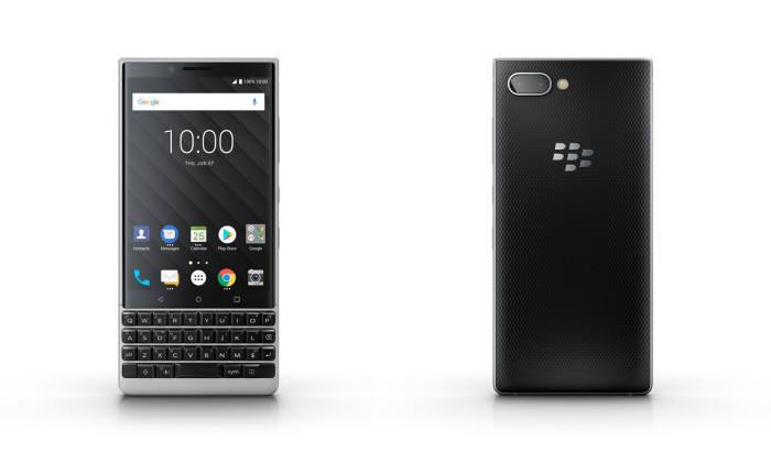 블랙베리 키2 스마트폰.