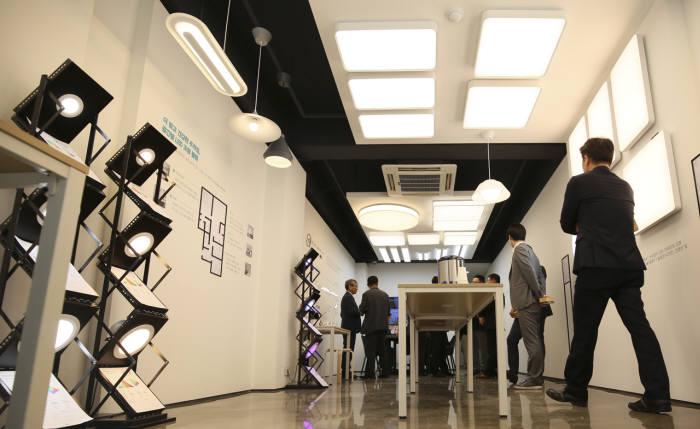 썬라이크 LED가 적용된 미미라이팅 가정용 조명들(제공: 서울반도체)