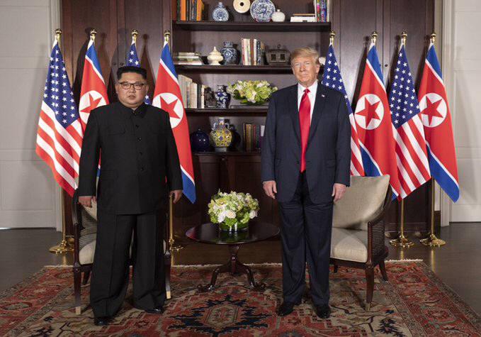 (왼쪽부터)김정은 북한 국무위원장과 도널드 트럼프 미국 대통령