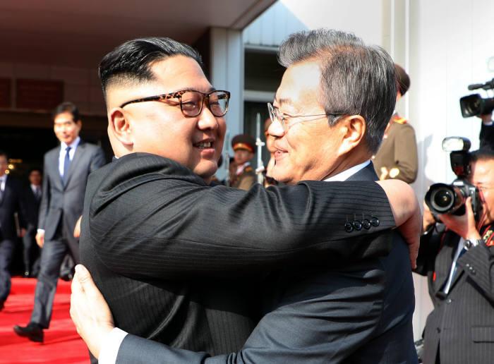 남북, 이산가족 상봉 합의…남북 100명씩 8월 20∼26일 금강산서 개최