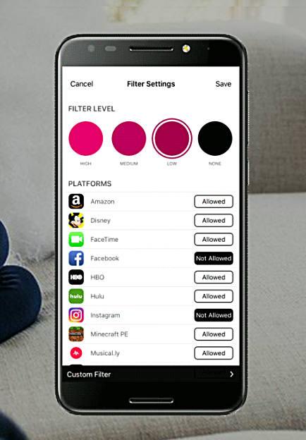 T모바일 '패밀리모드' 서비스는 자녀 스마트폰에 수십 개 앱이 깔려 있더라도 게임·SNS 등 앱 별로 부모가 허용 또는 불허를 지정, 중독을 막을 수 있다.