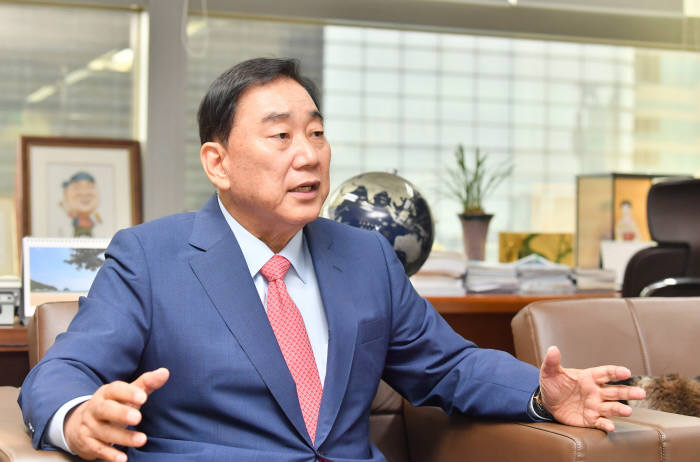 [특별인터뷰]'미스터 LCD' 이상완 전 삼성전자 사장