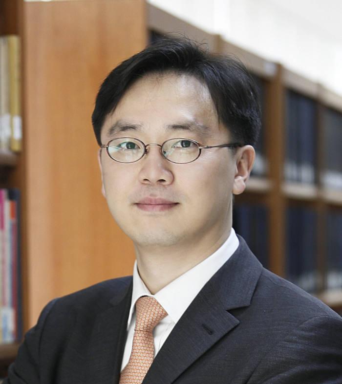 나지원 법무법인 충정 변호사/법학박사