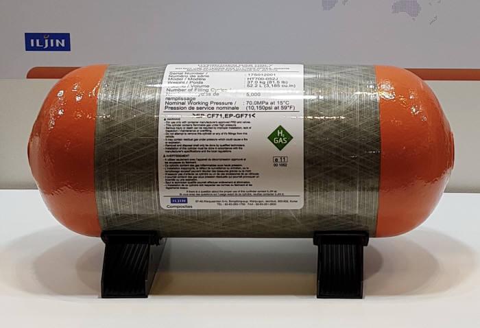 현대차 신형 수소연료전기차 넥쏘(NEXO)에 탑재된 수소연료탱크.