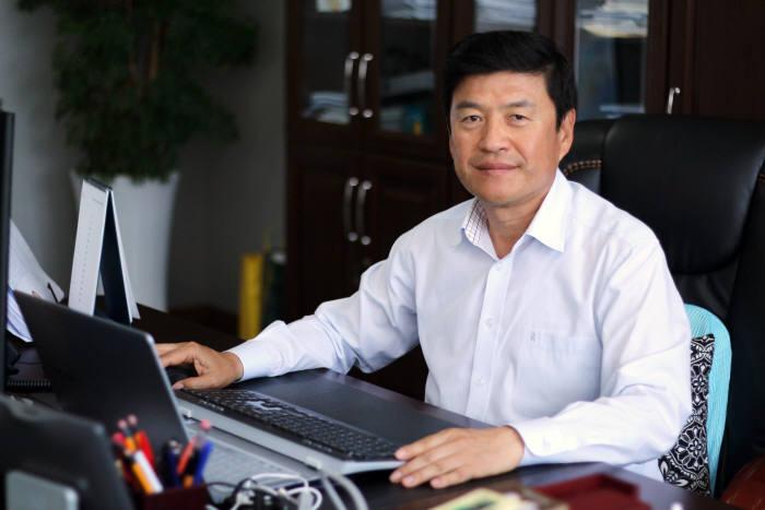 홍사관 옵트론텍 대표