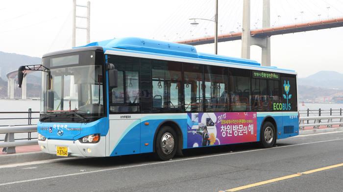 피라인이 공급하는 중국 하이거 전기버스.