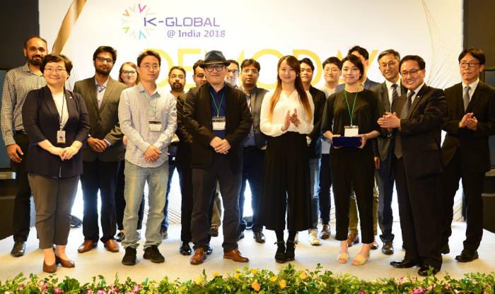 10일 인도 뉴델리에서 열린 K-Global@India 2018: Demo Day에서 한국의 엑소시스템즈와 인도의 체인울프가 우승을 차지했다.