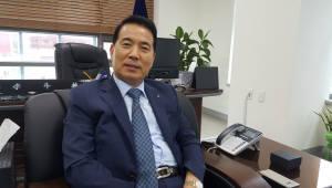 """[인사이트]이두식 세종상공회의소 회장 """"상의를 기업들의 카운터 파트너로 만들겠다"""""""