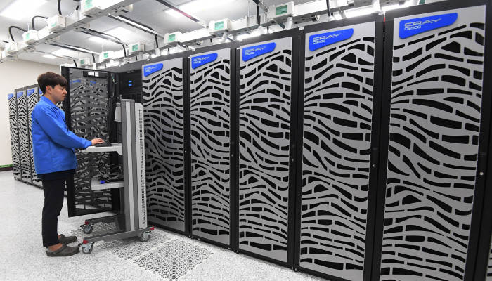 공식 서비스 앞둔 슈퍼컴퓨터 '누리온'
