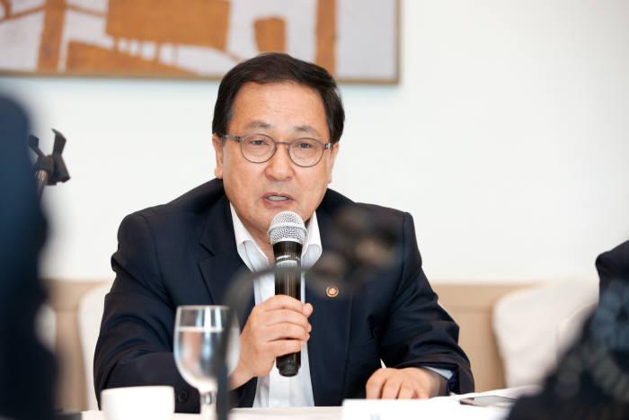 유영민 장관, 과학기술혁신을 위한 간담회