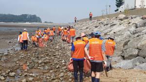 코스콤, 흘곶어촌마을서 환경정화 봉사활동