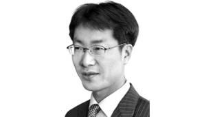 [데스크라인]'팔 비틀기'보다 '옆구리 찌르기'